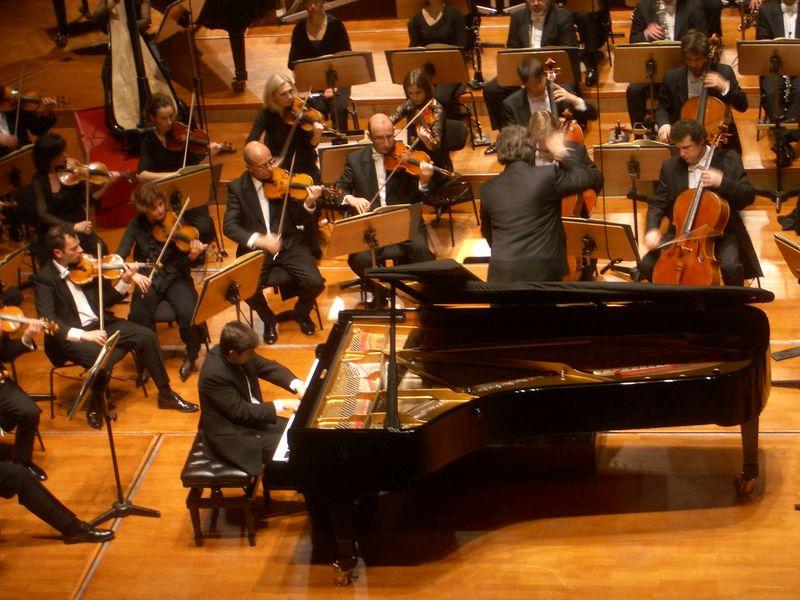 Tugan Sokhiev, Karol Beffa, Boris Berezovsky et l'Orchestre du Capitole de Toulouse