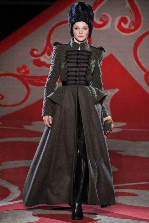 Ulyana-Sergeenko-Haute-Couture-Fall-Winter-2012-2013